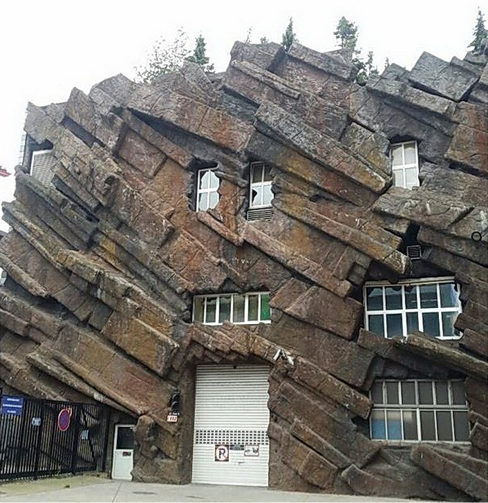 11 Very Unusual Shaped House Buildings You ever Seen!